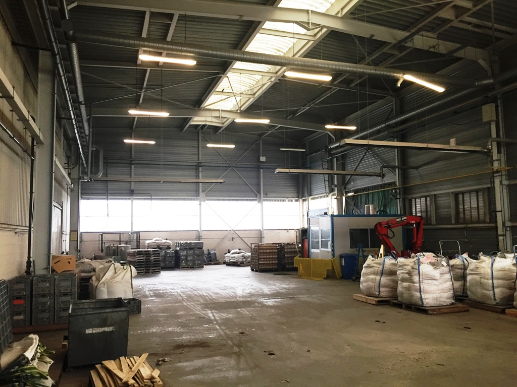 Warehouse rented in Lot